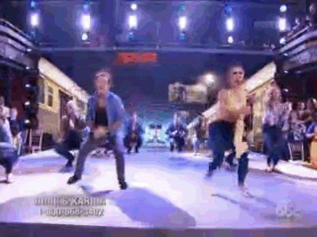 Journal de Dancing With the Stars triste Dancing With the Stars : Doug Flutie fait du Bollywood avec un groupe de personnes blanches