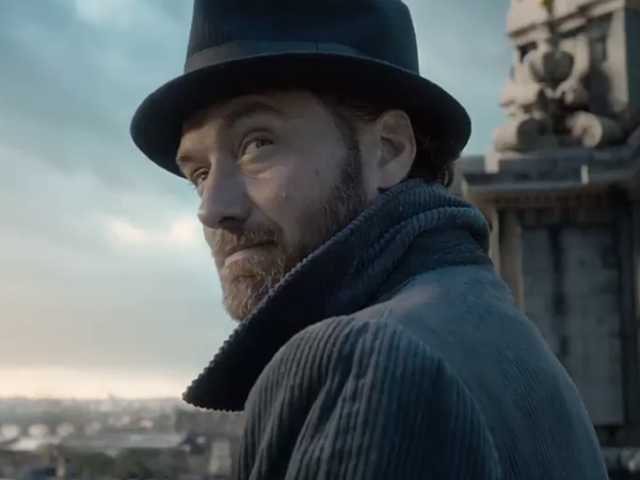A Very Chill Dumbledore Is the Star of Fantastic Beasts: The Crimes of Grindelwald's First Trailer