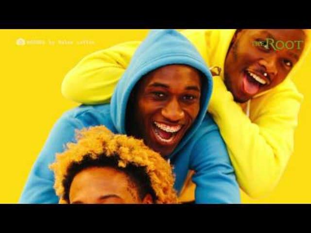 Regarder: La jeune adolescente noire Myles Loftin crée les images les plus colorées et rafraîchissantes des hommes noirs en hoodies