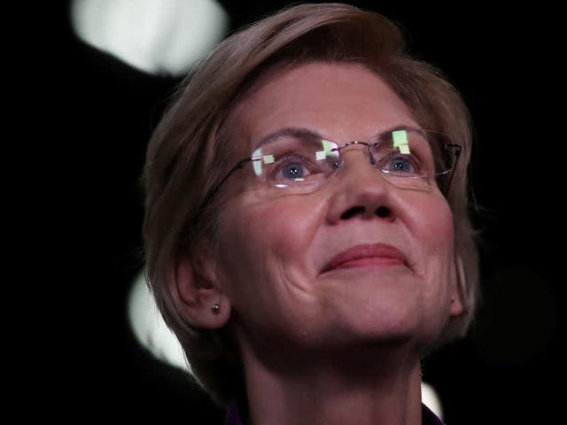 Elizabeth Warren Takes a Bite Out of the Bernie Bros With $19 Million Haul in Campaign Cash