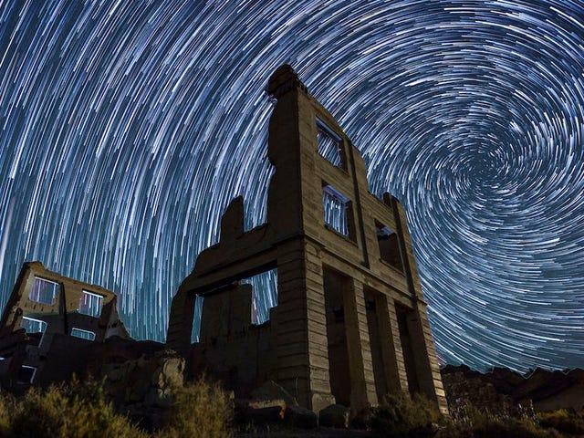 Denna timelapse av Night Sky över gamla västra Ghost Towns kommer lämna dig Misty Eyed