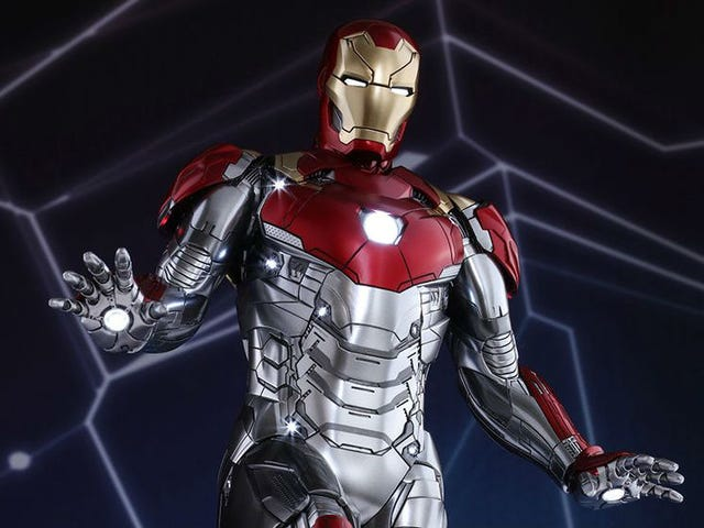 Our Best Look Yet at Iron Man's New Suit From Spider-Man: Homecoming