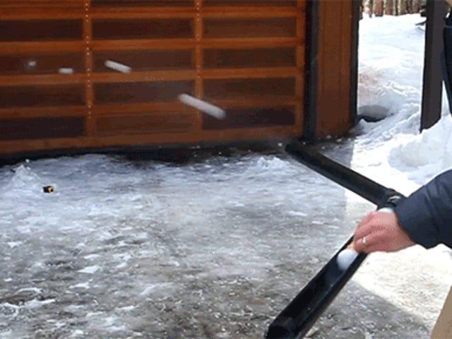 Dieses Schneeball-Maschinengewehr schießt Schneebälle, die so schnell ausflippen