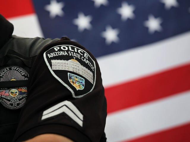 Το Phoenix PD διέταξε να πληρώσει 1.6 εκατομμύρια δολάρια για την παράνομη αναζήτηση σωματικών κοιλοτήτων