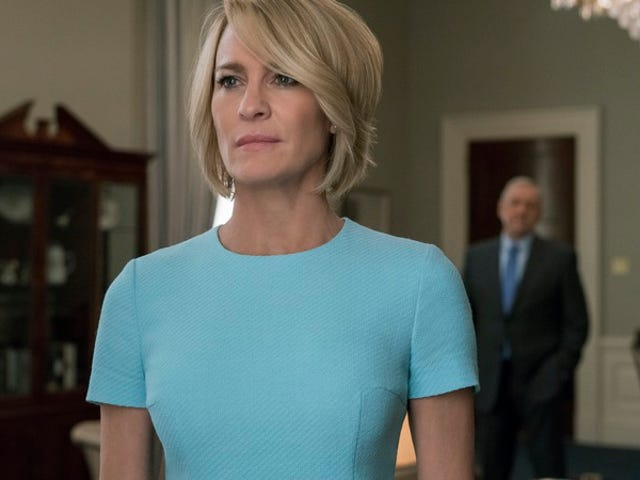 """<a href=https://tv.avclub.com/house-of-cards-abandons-reason-as-season-five-concludes-1798191707&xid=17259,15700019,15700186,15700191,15700256,15700259,15700262 data-id="""""""" onclick=""""window.ga('send', 'event', 'Permalink page click', 'Permalink page click - post header', 'standard');""""><i>House Of Cards</i> ทิ้งเหตุผลเมื่อฤดูกาลที่ห้าจบลง</a>"""