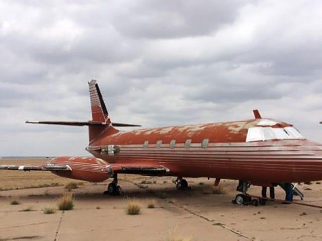 아무도 Elvis Presley의 슬픈 오래된 비행기를 원하지 않는다.