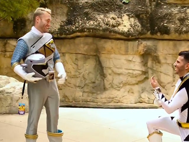 <i>Power Rangers</i> Cosplay Ends In Marriage Proposal