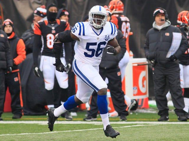Colts geeft LB Daniel Adongo vrij nadat cops reageren op oproep huiselijk geweld