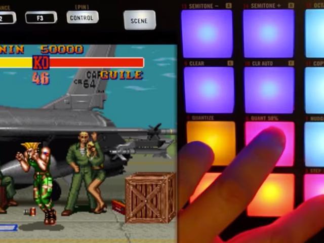 Puedes jugar a un videojuego y tocar percusión al mismo tiempo?  Él sí