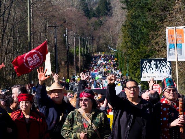 Der Kampf um Kanadas umstrittenste Pipeline heizt sich auf