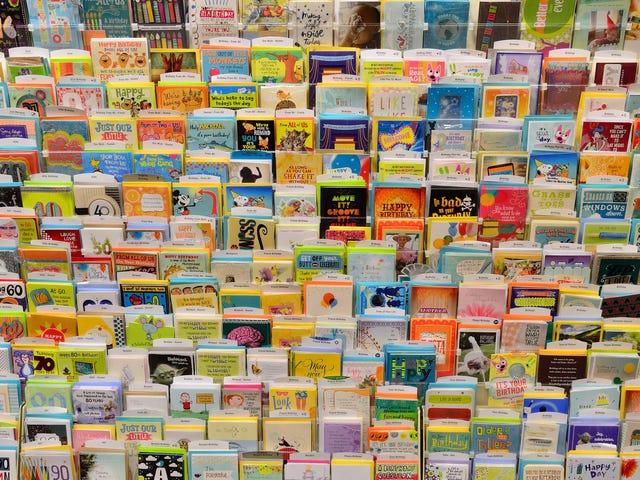 당신은 구두 상자를 생일 카드로 가득 차있, 달까지 편성해야합니다