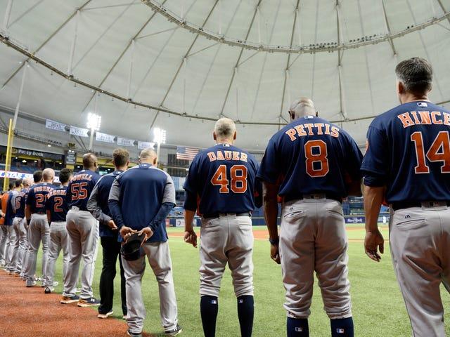 Astros, Florida'da Oynanır, Kimse Aranmaz