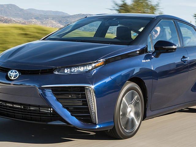 Toyota lavede over 5.600 af sine brændselscellepatenter til rådighed Royalty-Free