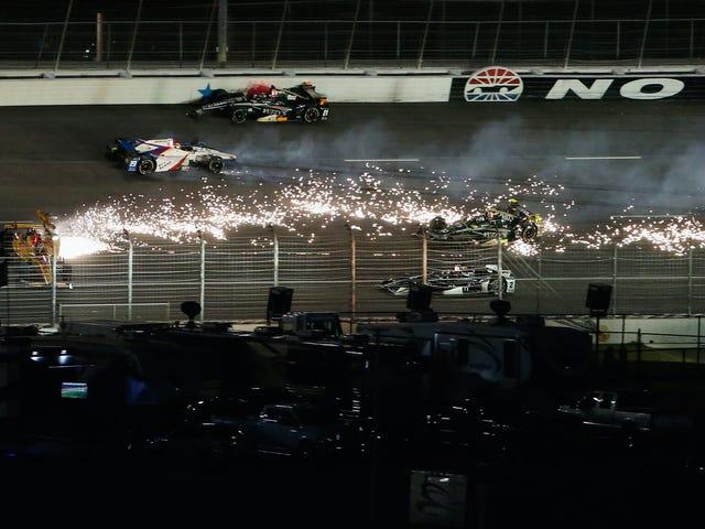 सभी पागल सामग्री आप $ 1.8 मिलियन IndyCar इसकी कारें ठीक करने के लिए की आवश्यकता के साथ खरीद सकते हैं