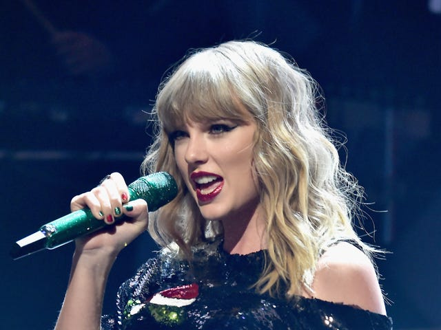 Looks Like Taylor Swift's Cover of Earth, Wind & Fire's 'September' Is Our Friday the 13th Curse