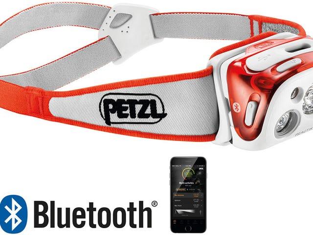 Een app beheert de helderheid van de nieuwe koplampen van Petzl om de levensduur van de batterij te maximaliseren