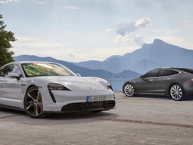 การทดสอบรถยนต์และคนขับระหว่าง Porsche Taycan กับ Tesla รุ่น S พิสูจน์แล้วว่า Porsche ถูกต้อง