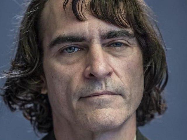 La primera imagen de Joaquin Phoenix como el Joker es extrañamente inquietante