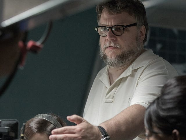 Guillermo del Toro Wins Best Director for <i>The Shape of Water</i>