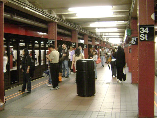 Police Leave Dead Homeless Man Sitting Upright on NYC Subway Platform During Rush Hour