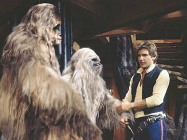 Der er en hel kopi af Star Wars Holiday Special på YouTube: den uklassificerbare første spin off af sagaen og debut af Boba Fett