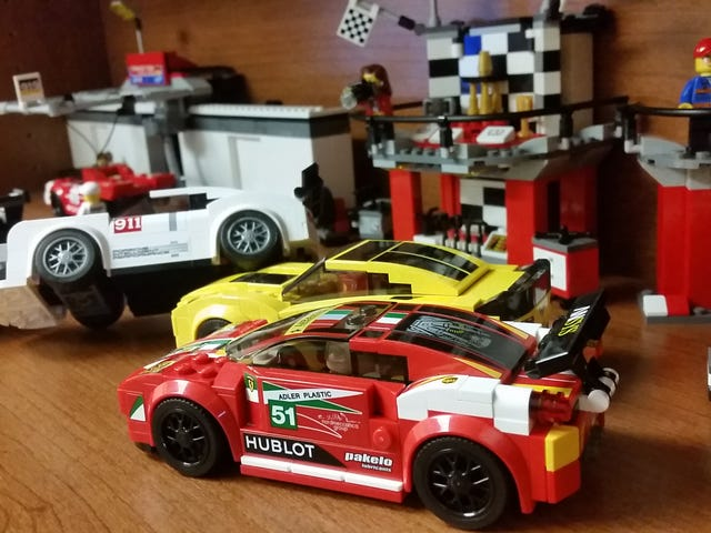 Lego Speed Champions: Office LeMans Edition