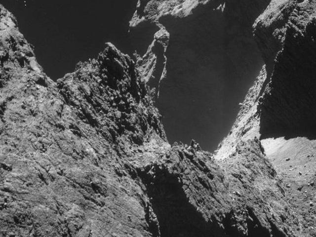 Here's A Thirty-Year History Of Getting Closer To Comets