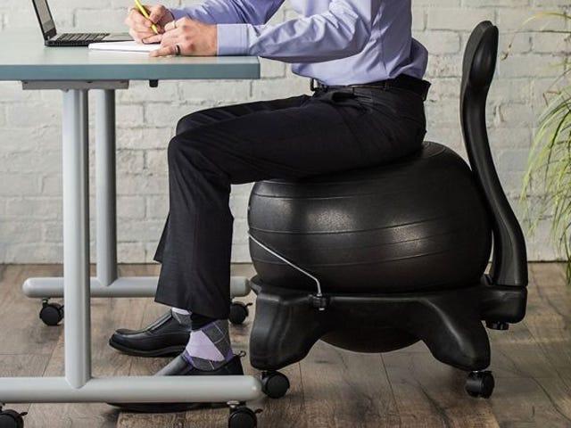 Denne balanceboldstol på $ 59 arbejder din kerne, mens du arbejder
