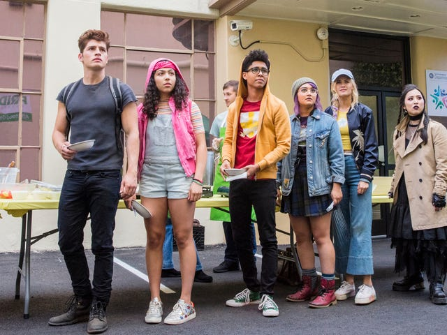 Marvel'sRunawaysto sprint into a third season for Hulu