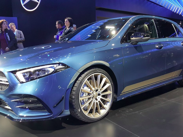The 2019 Mercedes-AMG A35 Hot Hatch Looks Both Silly and Serious and I Want to Drive One Badly