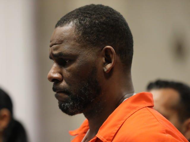 On dirait qu'il n'est pas prêt pour la prison: un avocat se plaint que R. Kelly ne puisse rendre visite qu'à une de ses copines à la fois