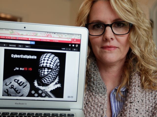 Report: Russian Hackers Posed as ISIS to Attack U.S. Military Wives