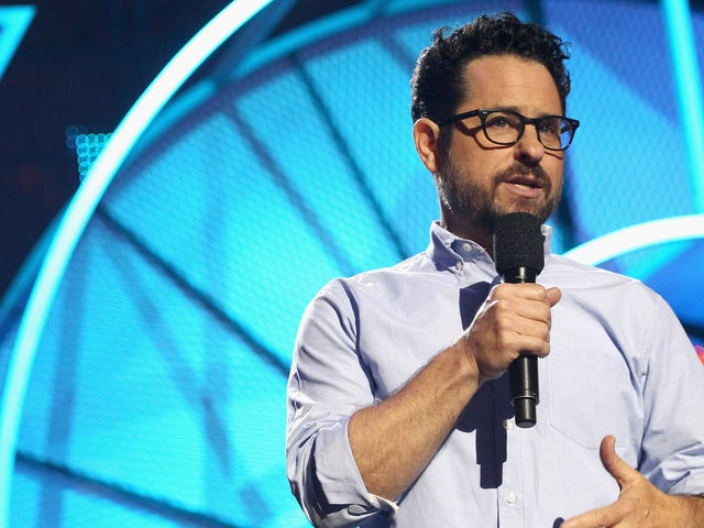 J.J. Abrams Calls Out Sexist Last Jedi Critics for Being Threatened by Women