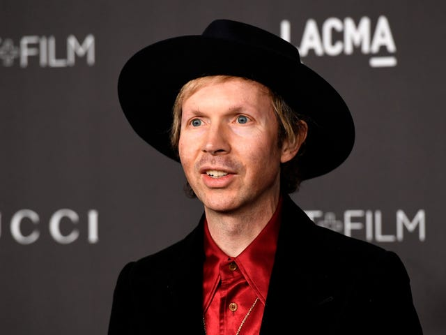 Beck now says he's not a scientologist, in case that changes how you feel about Beck