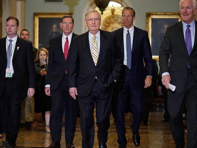 Les républicains assoiffés se glissent dans les DM américains d'Obamacare, révoquent ... à nouveau