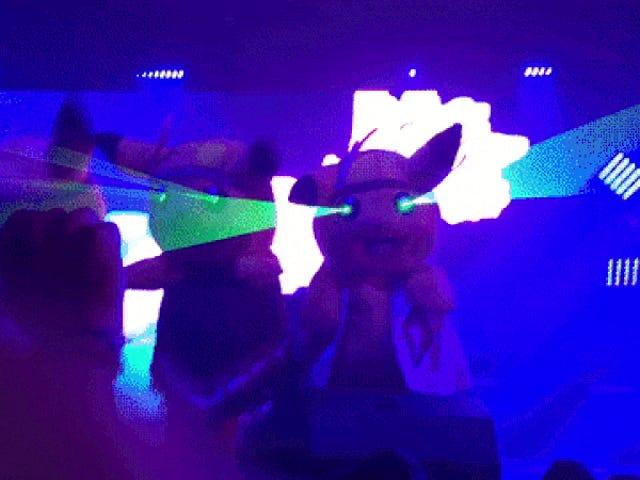 Pikachus avec des lasers tirant de leurs yeux