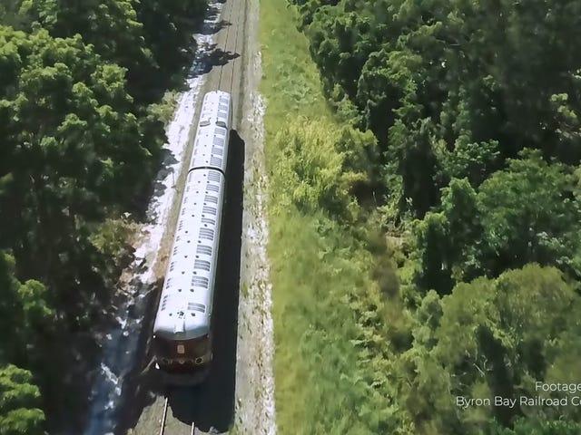 Este encantador tren de energía solar es el pináculo del transporte
