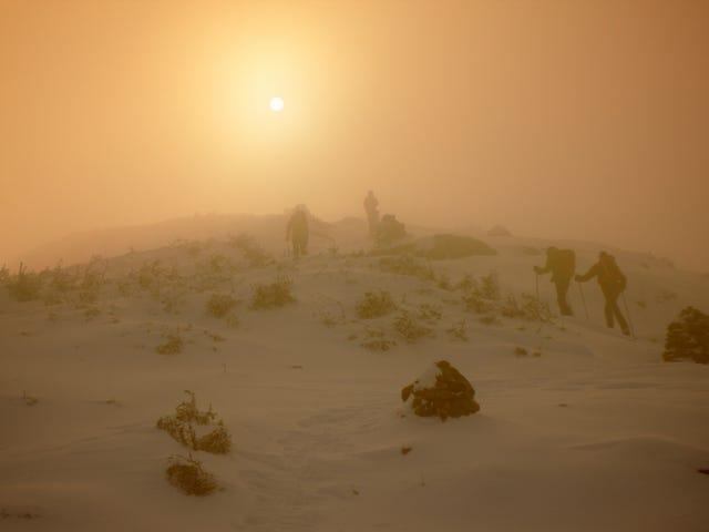Wspiąłem się na najbardziej wietrzną górę świata, zimą