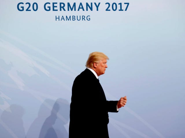 Trump er på G-20, så du ved det betyder, at han tweeting igen