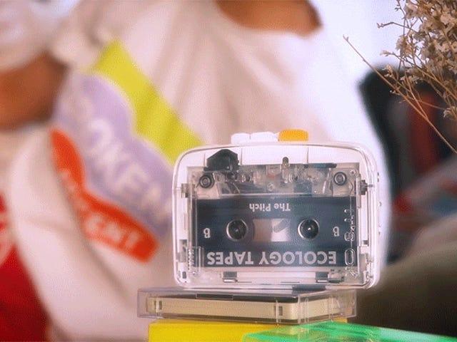 Retro nostalgi går trådløst med den første Bluetooth-kassettspilleren