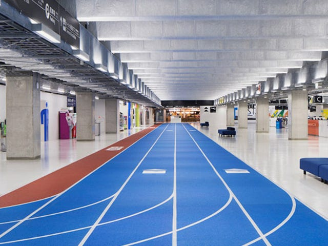 This Japanese Airport Has Running Tracks For Travelers to Follow