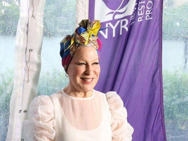 Saturday Night Social: Bette Midlers hus kostar 50 miljoner dollar och dekoreras med hattar