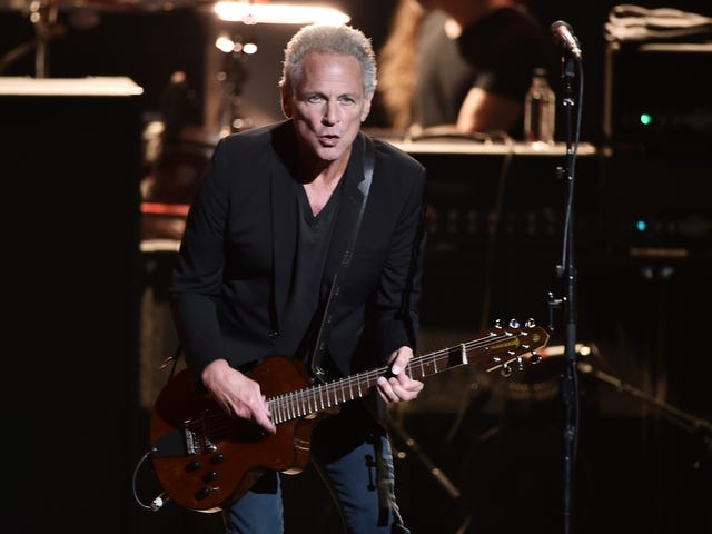 Lindsey Buckingham Sues Over Getting Kicked Out of Fleetwood Mac Tour