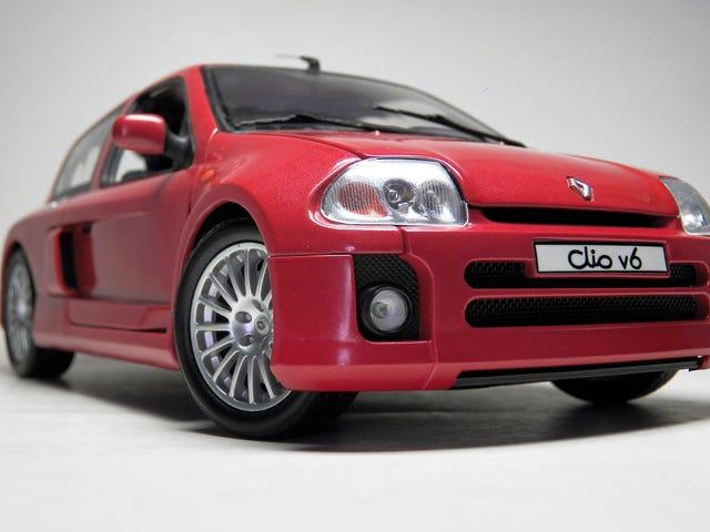 LaLD Car Week ฝรั่งเศส / ฟรีวันศุกร์ 1:18 เรโนลต์คลีโอ V6 โดย Universal Hobbies