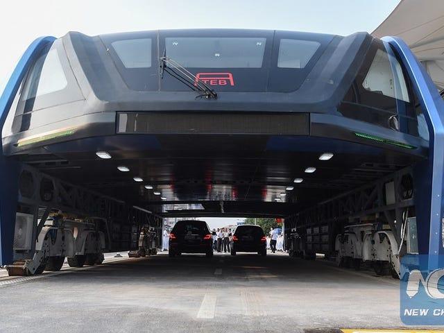 Kina har konstrueret de værdier, der er udformet af autobuserne, og de er omgivet af kupler
