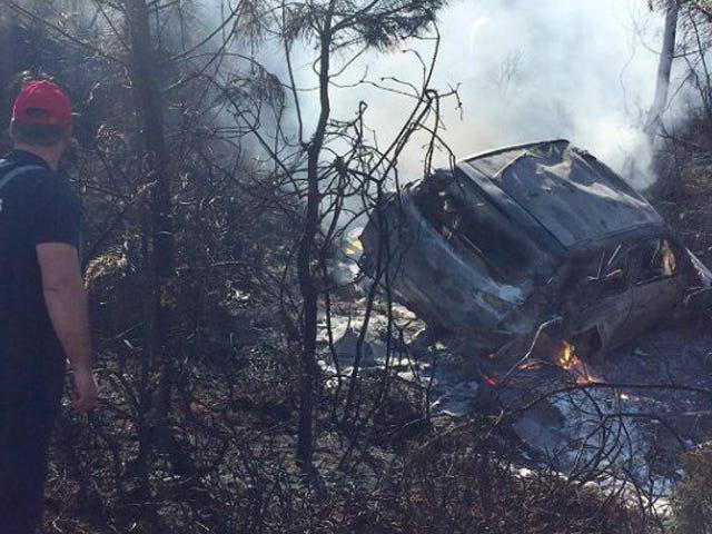 Massiv brann på rally Portugal som to biler krasjer og brenner på samme hjørne