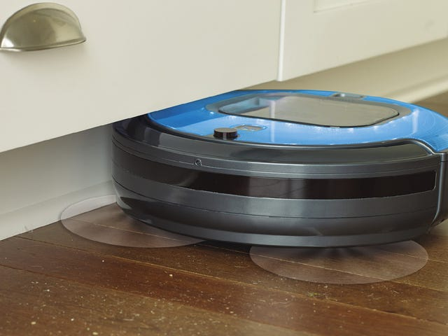 Black+Decker's New Robovac Compresses Dirt Into Garbage Discs That Are Easy to Throw Away
