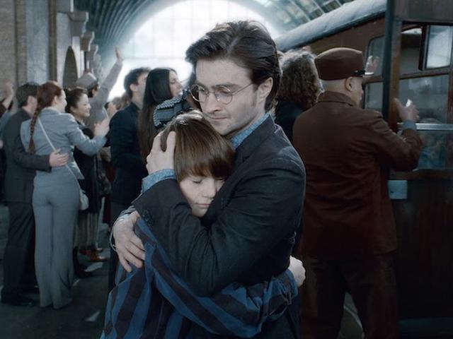 Ребенок Гарри Поттера сегодня в Хогвартсе