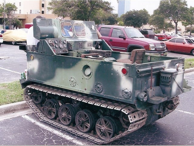 तय नहीं कर सकते कि आप एक टैंक या एक Corvair चाहते हैं?