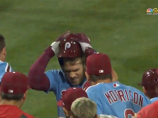 Grand Slam Walk-Off Bryce Harper adalah Pure Catharsis